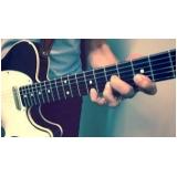 aula de guitarra com prática