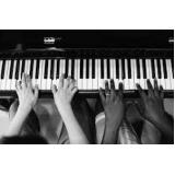 aula de piano jazz