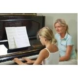 aula de piano para crianças