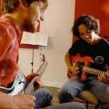 onde faz aula de guitarra para iniciantes Parque Maria Domitila