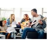 onde faz primeira aula de guitarra Santana