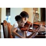 primeira aula de violino Aclimação